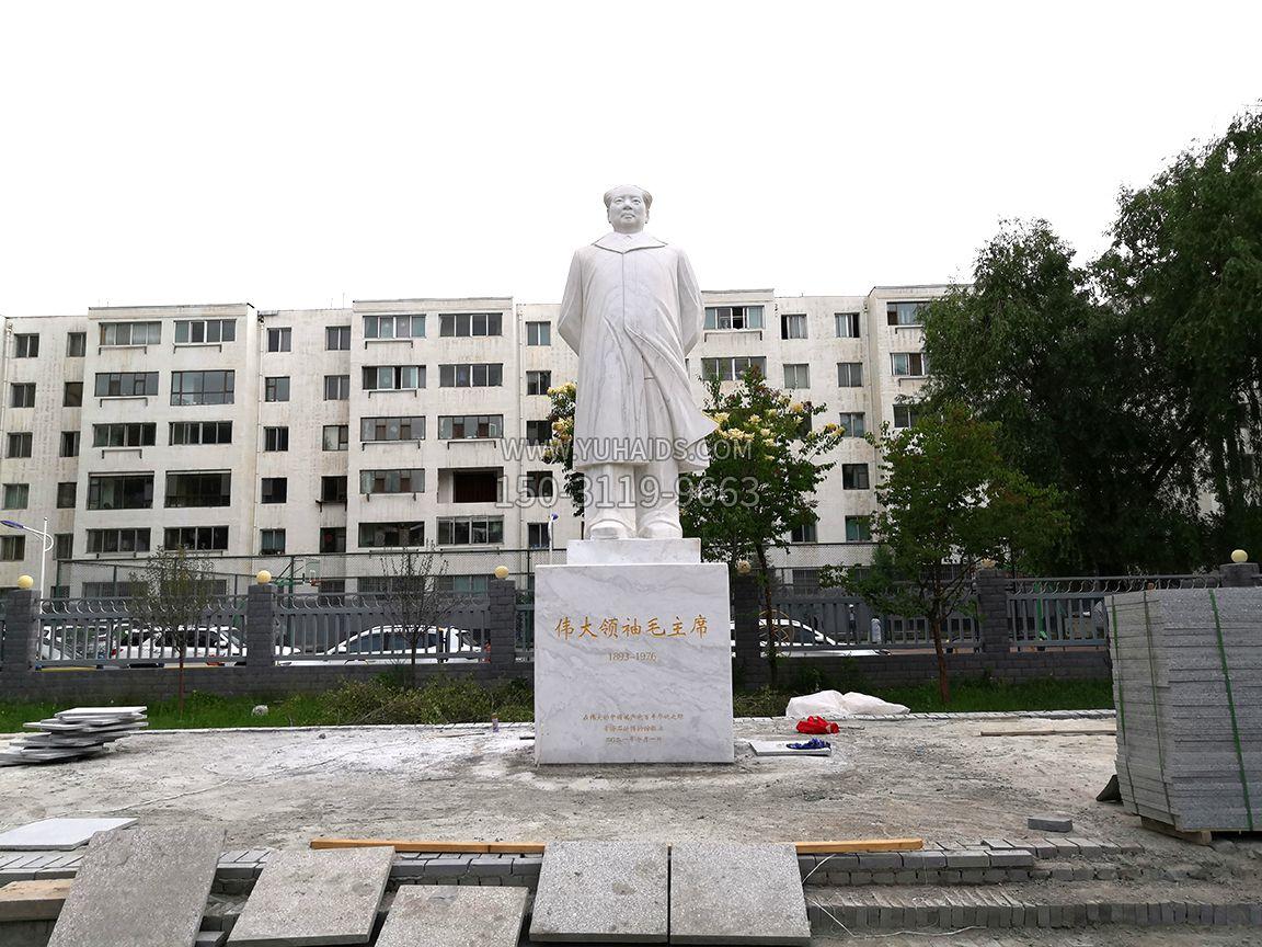 西宁石油博物馆毛主席汉白玉石雕伟人像-正视效果
